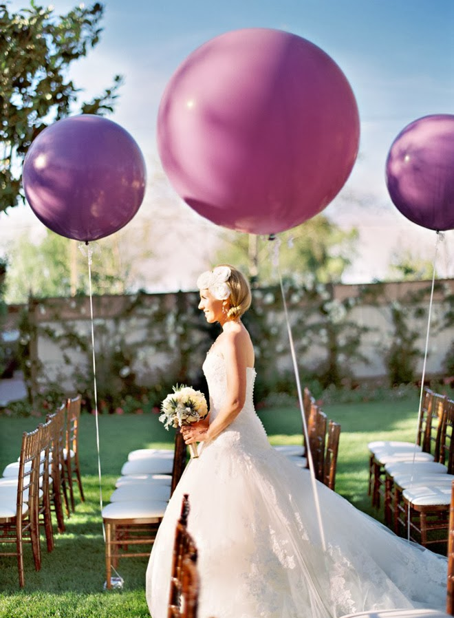 wedding-ideas-vibrant-orchid-pantone-2014-color-of-the-year-26a