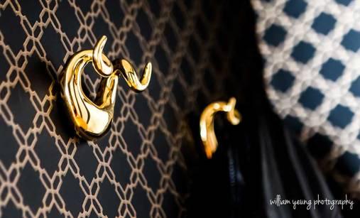 jonathan-adler-hook-black-and-gold-glam-wallpaper-decor-splendor-styling