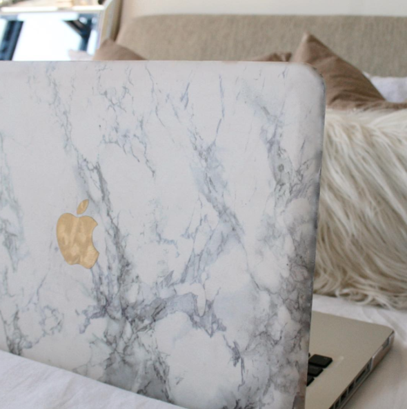 amazon-prime-marble-case-the-luxe-log