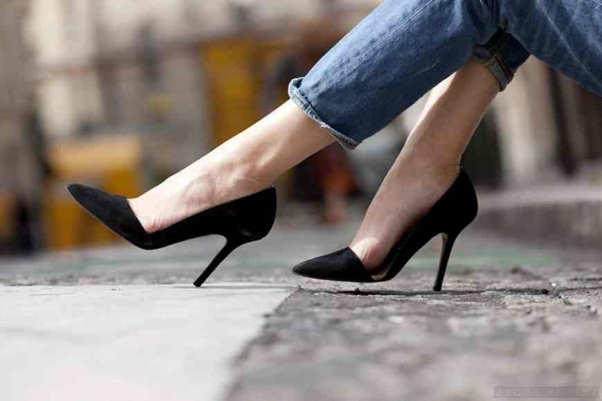 3-top-pumps-to-enjoy-at-the-office
